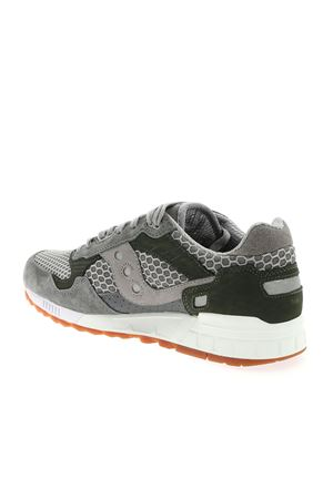 SHADOW 5000 SNEAKERS IN GREY AND GREEN SAUCONY | 5032238 | 705532