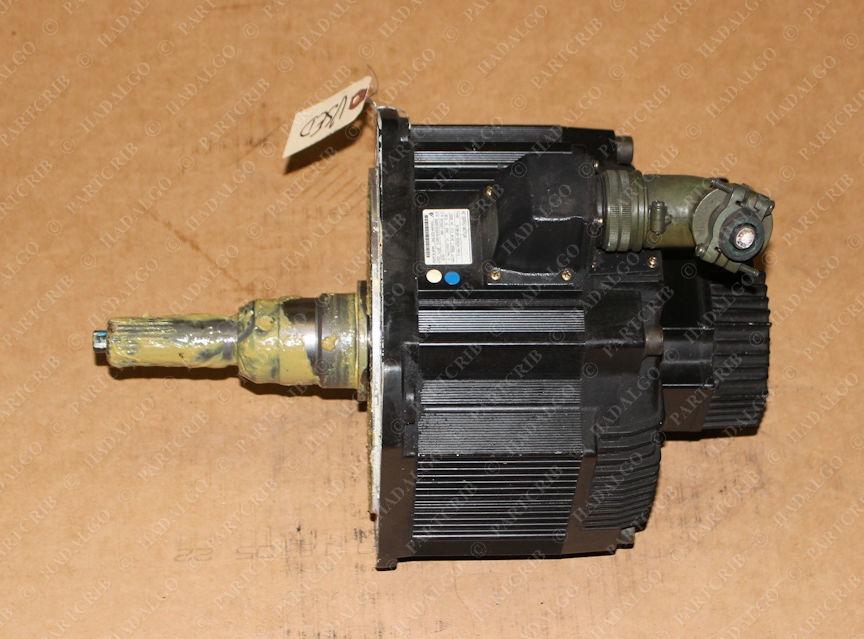 Yaskawa, SGMDH-32A2A-YR13, Motoman AC Servo Motor Used