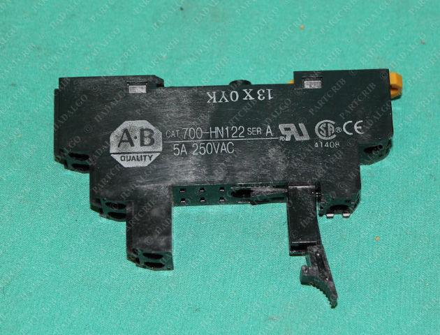 Allen Bradley, 700-HN122, Locking Latch Relay Socket 5A 250VAC