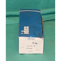 IDEC RR3B-U Relay 120VAC A2826 NEW