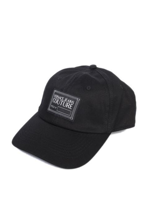Cappello catena nero/bianco VERSACE JEANS COUTURE   Cappelli   RK1580158-MI9