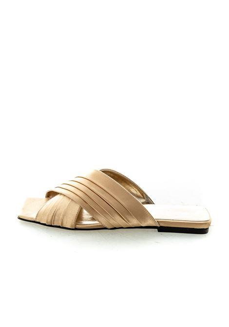 Sandalo Layla raso platino ASHLEY COLE | Sandali flats | PASLAYLARASO-PLATINO