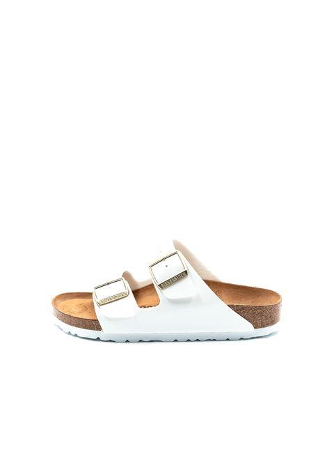 Birkenstock sandalo arizona patent bianco BIRKENSTOCK | Sandali flats | ARIZONA1005294-WHITE