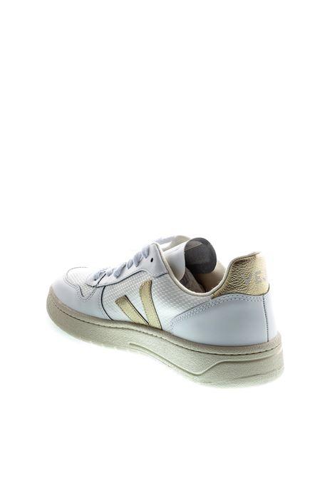 VEJA SNEAKER V10 BIANCO/ORO VEJA | Sneakers | V10MESH-11781