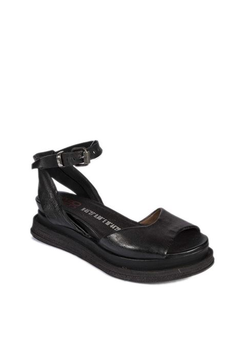 Sandalo fibbia nero AS98 | Sandali flats | A15004PELLE-NERO