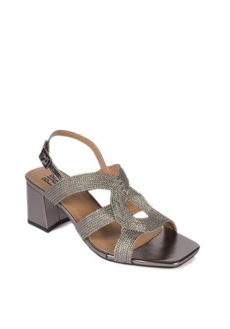 Sandalo rafia intrecciata piombo BIBI LOU   Sandali   842LAMINATO-PLOMO