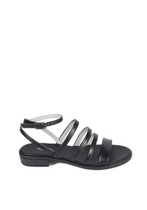 Sandalo flat leon nero NERO GIARDINI | Sandali flats | 012491LEON-100