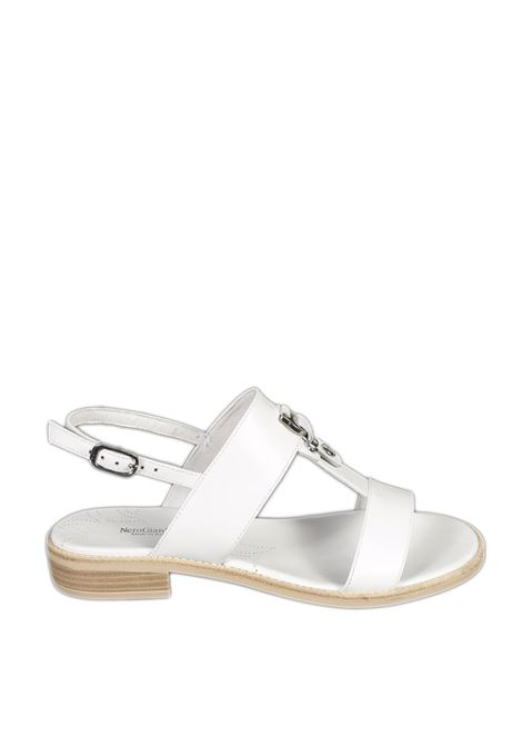 Sandalo flat loira bianco NERO GIARDINI | Sandali flats | 012492LOIRA-707