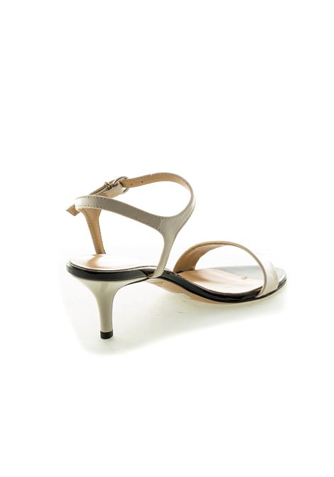 Sandalo vernice t50 bianco/nero ASHLEY COLE | Sandali | PAS22VERN-MILK