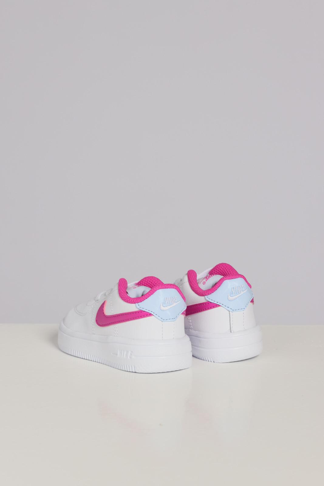 NIKE | Sneakers | 905220103