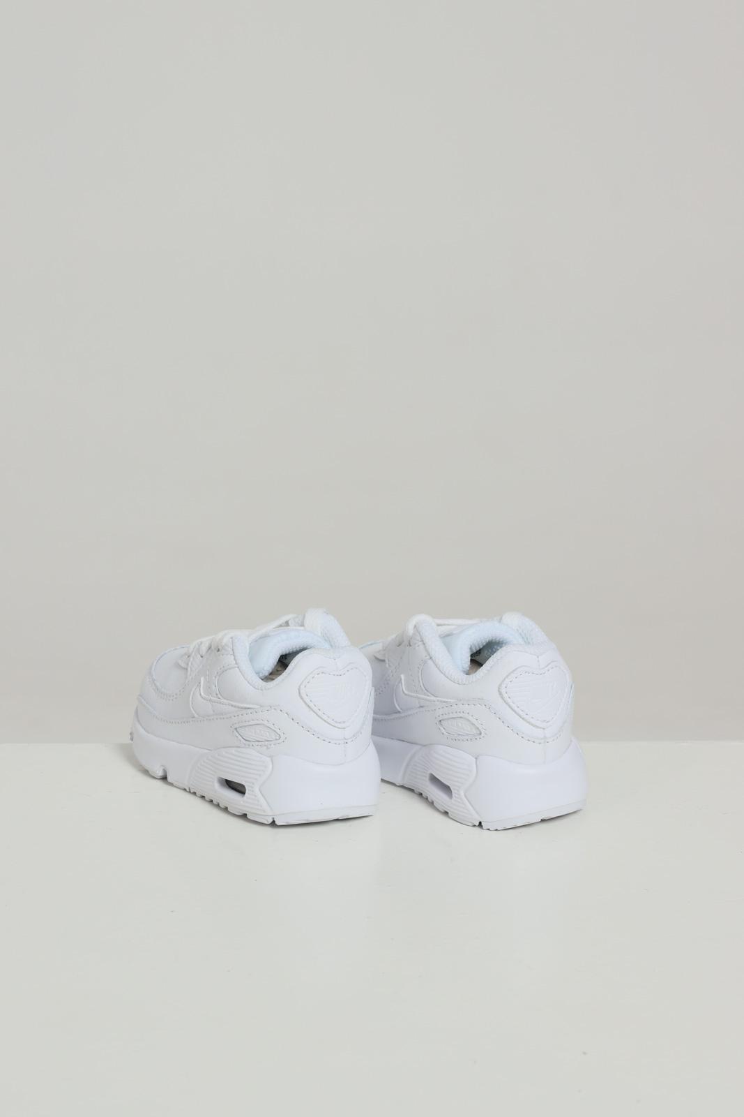 NIKE   Sneakers   CD6868100
