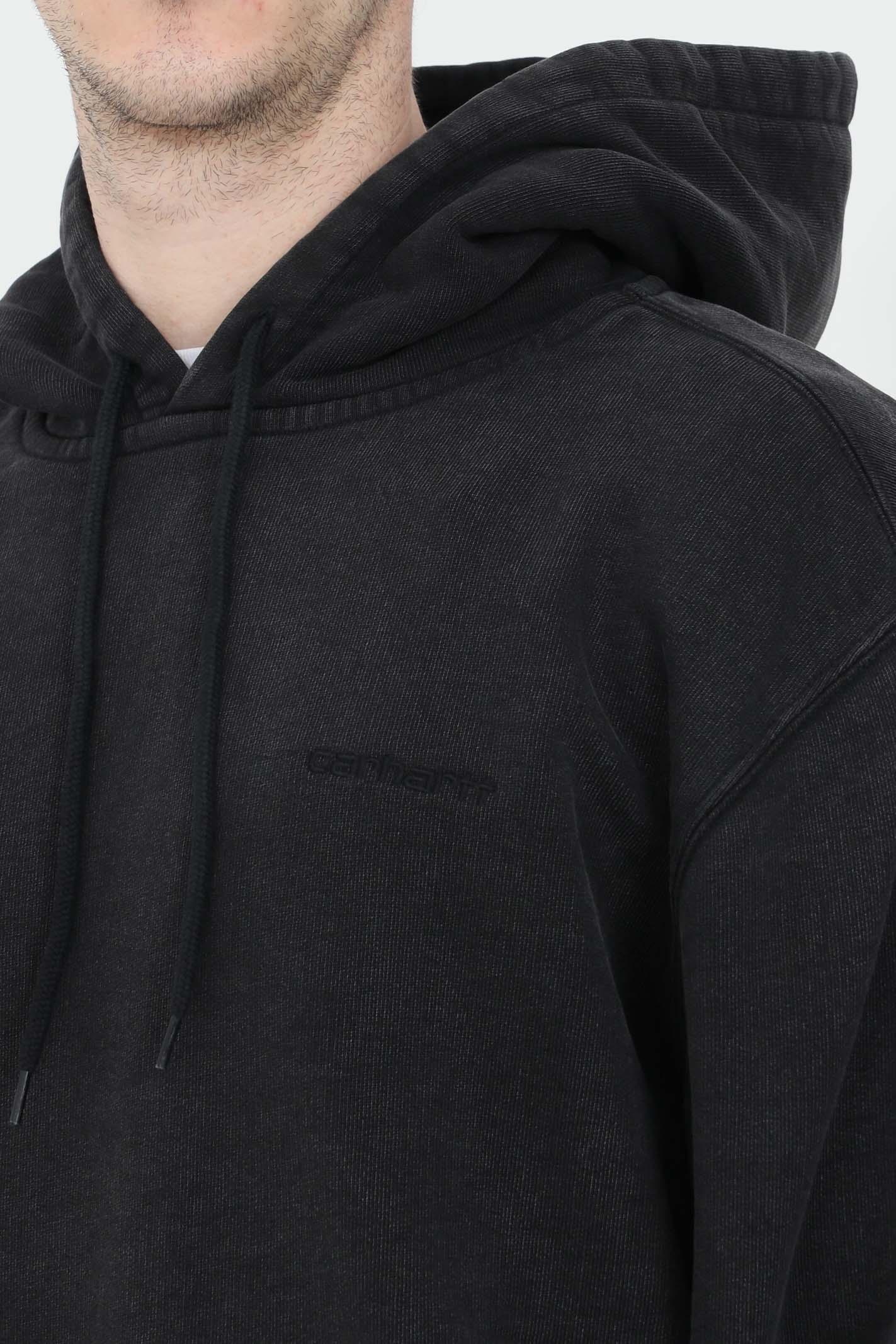 Black hooded mosby script hoodie with laces, front pocket and embroidered logo. Carhartt  CARHARTT | Sweatshirt | I028586.0389.00