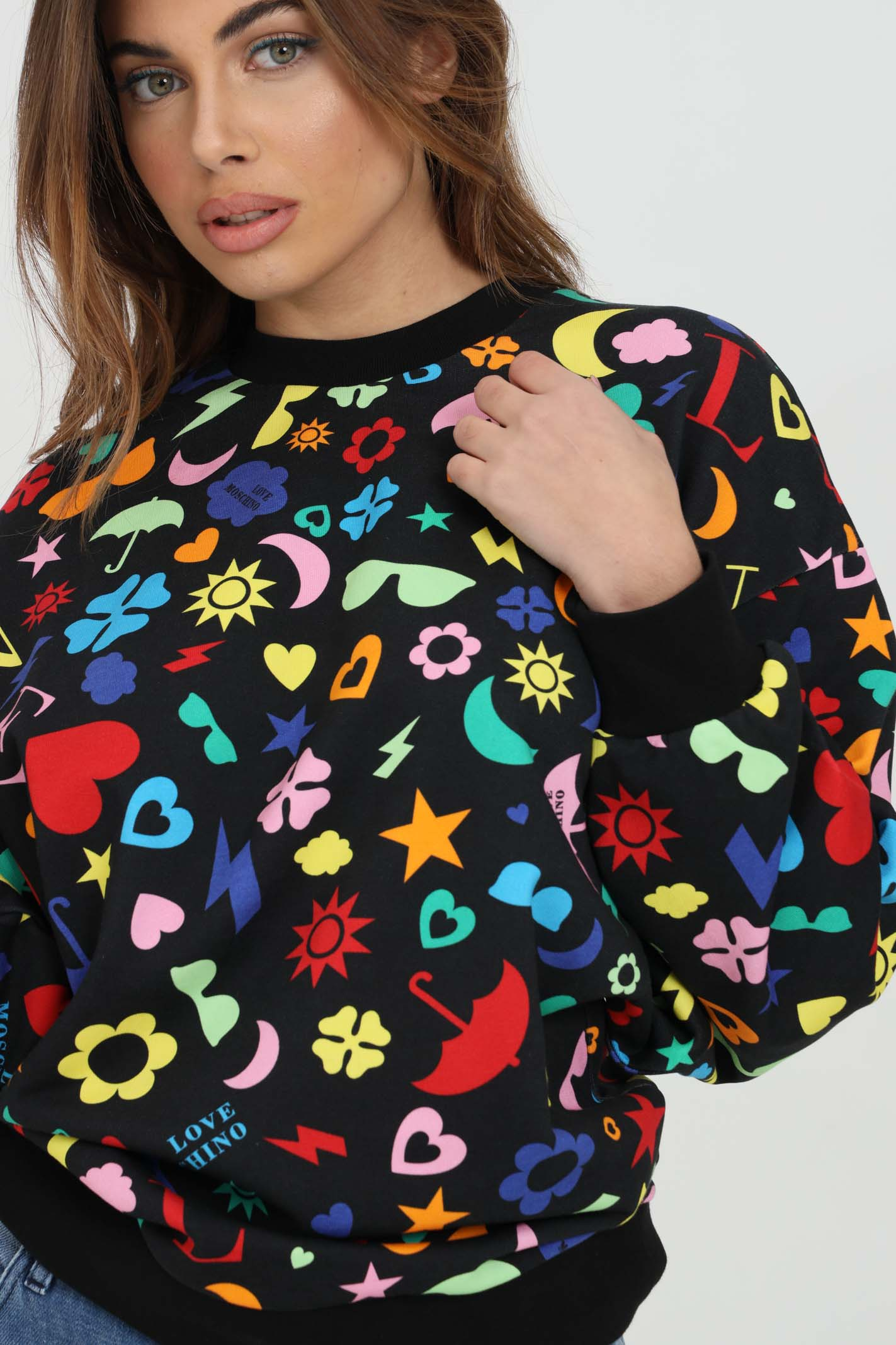 Multicolor sweatshirt with pattern print. Elastic crew neck, bottom and cuffs with ribs. Comfortable model. Love moschino LOVE MOSCHINO | Sweatshirt | W644100M42680003