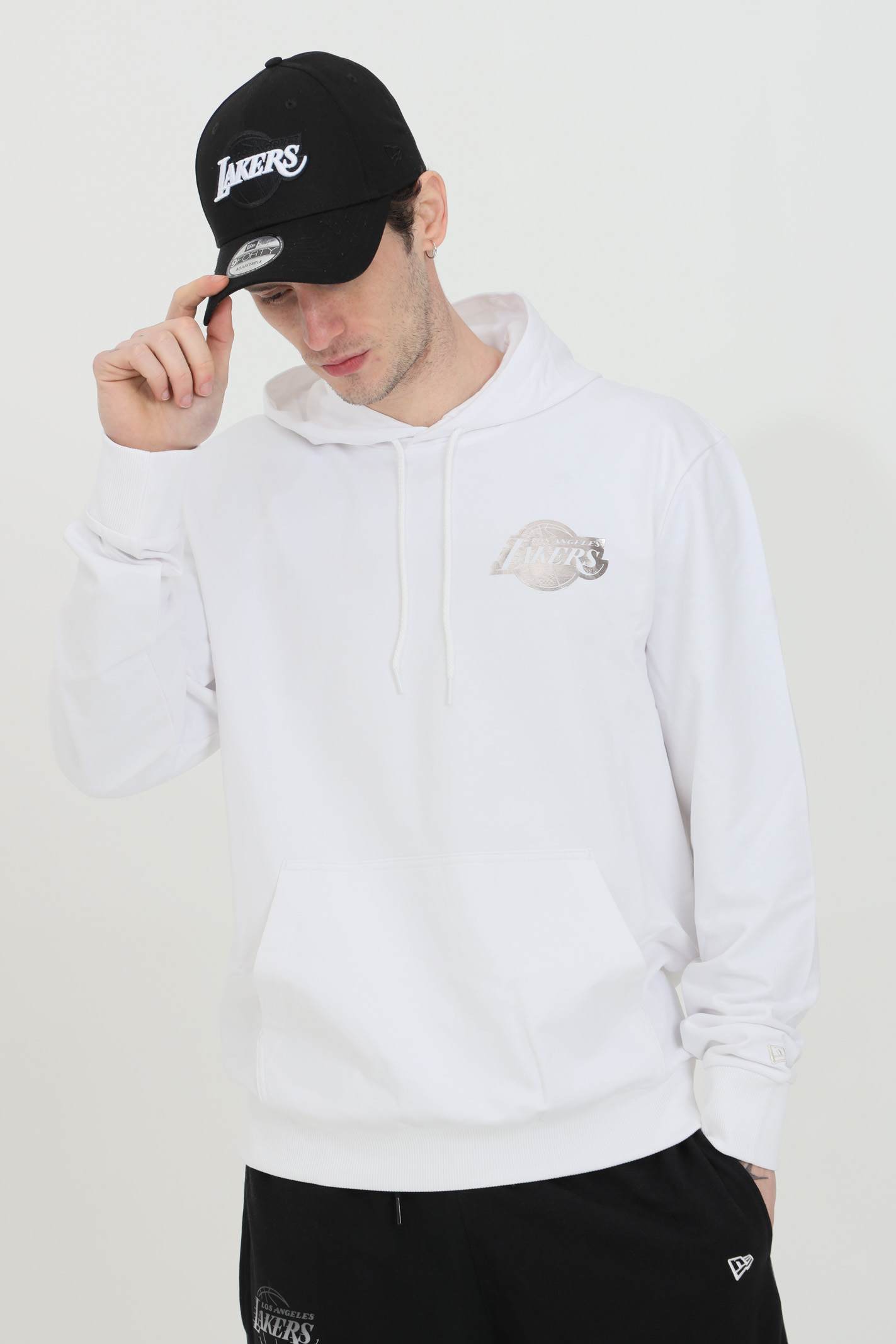 White sweatshirt with hood and laces in solid color.New Era NEW ERA | Sweatshirt | 12590870.