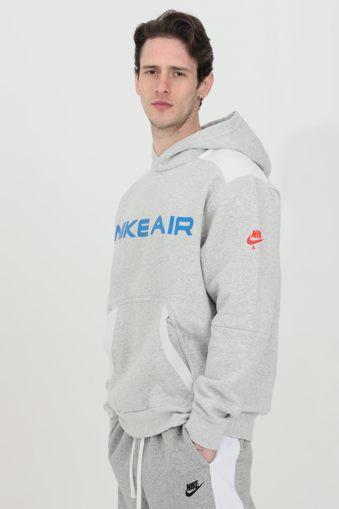 Sweatshirt with classic silhouette with a warm fleece NIKE | Sweatshirt | DA0212052