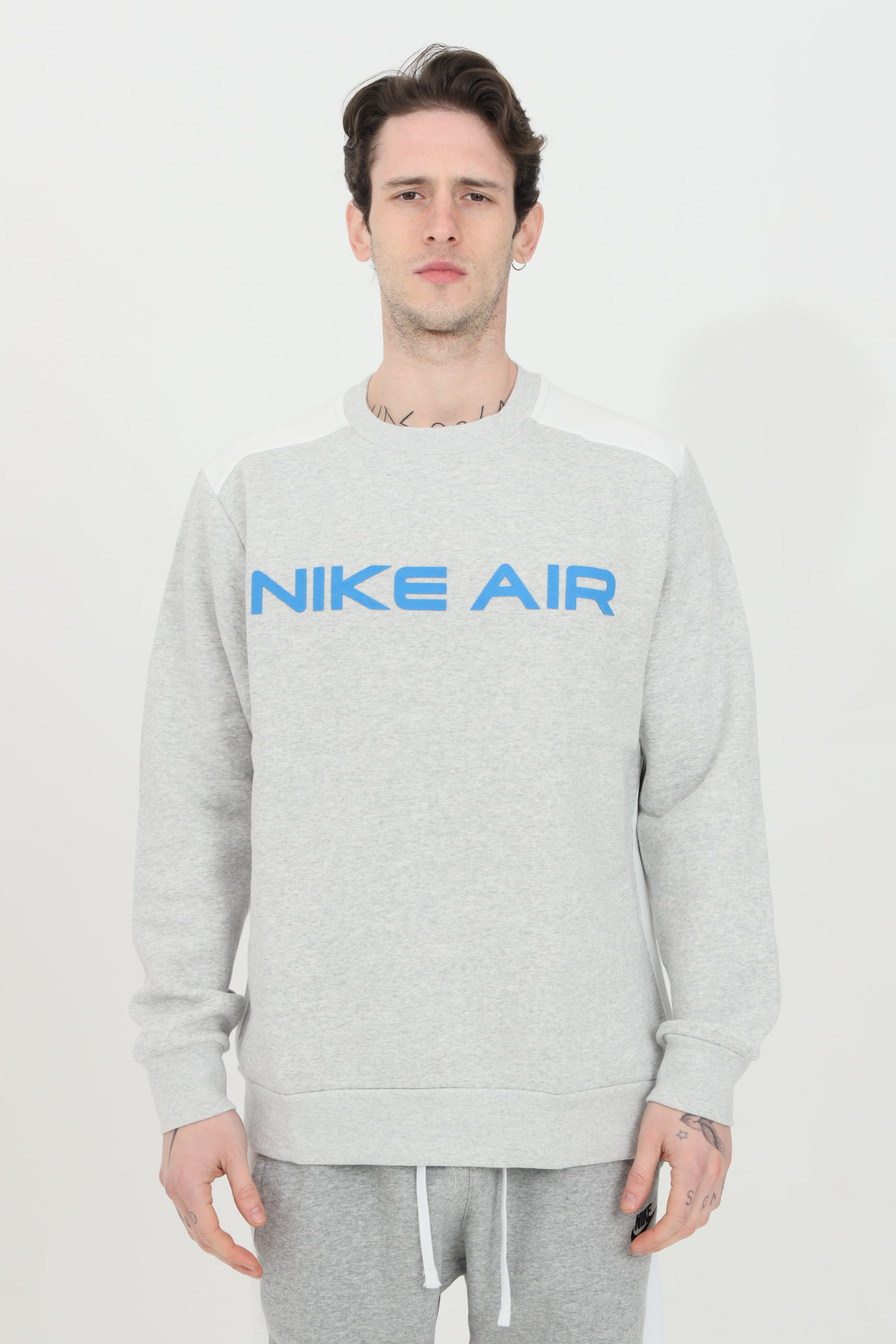 Two-tone crew neck sweatshirt with embroidered logo NIKE | Sweatshirt | DA0220052