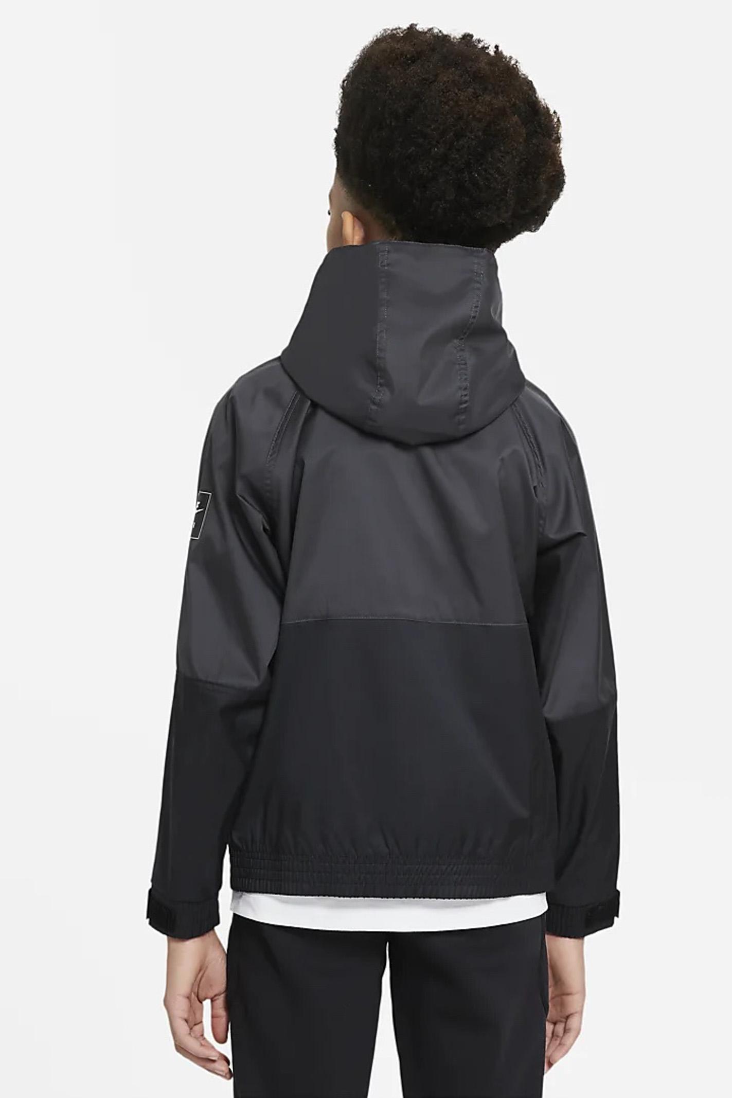 Giubbotto bambino nero Nike in tessuto idrorepellente con cappuccio NIKE   Giubbotti   DA0704010