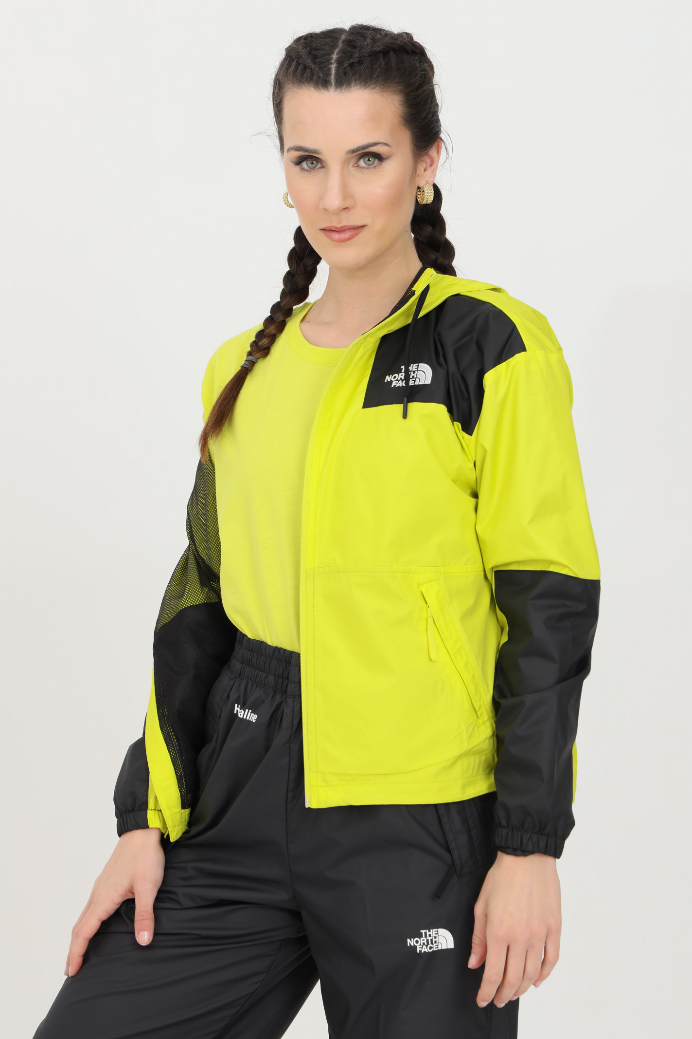 The Sheru jacket is distinguished by the iconic block  THE NORTH FACE | Jacket | NF0A4C9HJE31JE31