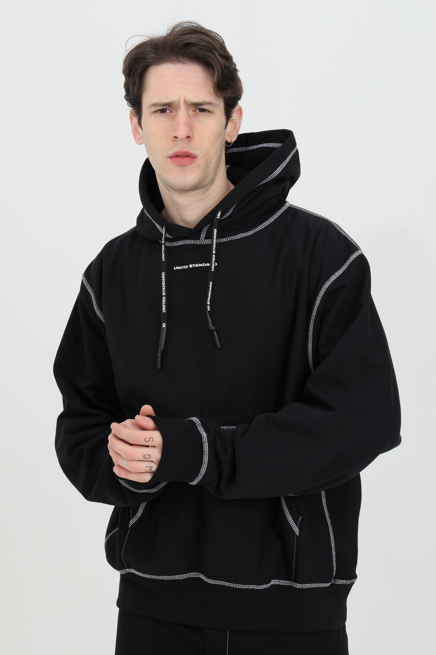 Hoodie with front pocket UNITED STANDARD | Sweatshirt | USXMSW09JY09BLK001
