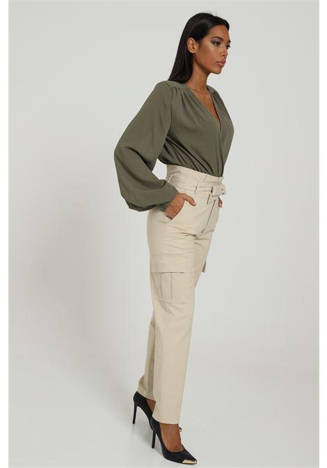 Pantalone Cargo Con Cintura In Vita Modello Slim FEMINISTA | Pantaloni | ALABAMAPANNA