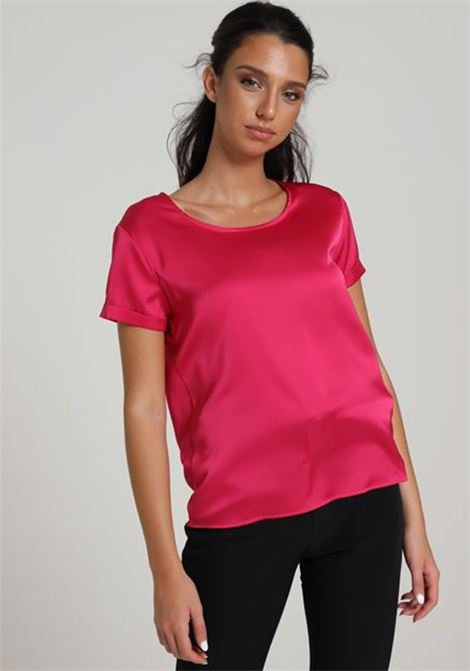 Fuxia women's t-shirt with short sleeves, short cut. Brand: Kontatto KONTATTO | T-shirt | TE513FUXIA