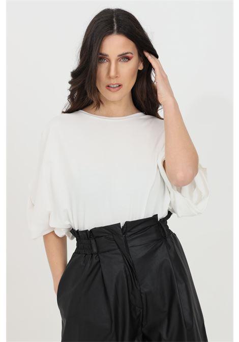 Cream women's t-shirt with short sleeves, short cut. Brand: Kontatto KONTATTO | T-shirt | TE513PANNA