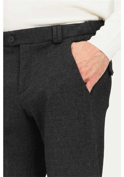Pantaloni eleganti da uomo nero alessandro dell'acqua con trama allover ALESSANDRO DELL'ACQUA | Pantaloni | AD7190J/G0218EJ80