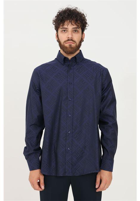 Camicia uomo blu bikkembergs modello casual con stampa logo allover BIKKEMBERGS | Camicie | CC09900T225A6054