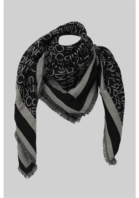 Fantasy women's scarf by calvin klein with fringes CALVIN KLEIN | Scarf | K60K608644BAX