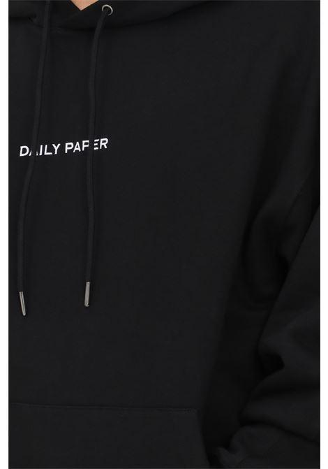 Felpa uomo nero daily paper con cappuccio e ricamo logo frontale DAILY PAPER | Felpe | 2121021BLACK
