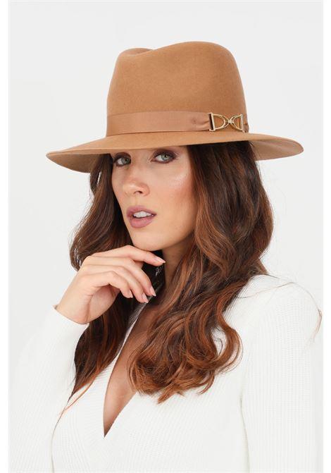 Cappello donna cammello elisabetta franchi modello bucket con morsetto distintivo ELISABETTA FRANCHI | Cappelli | CL01C16E2470