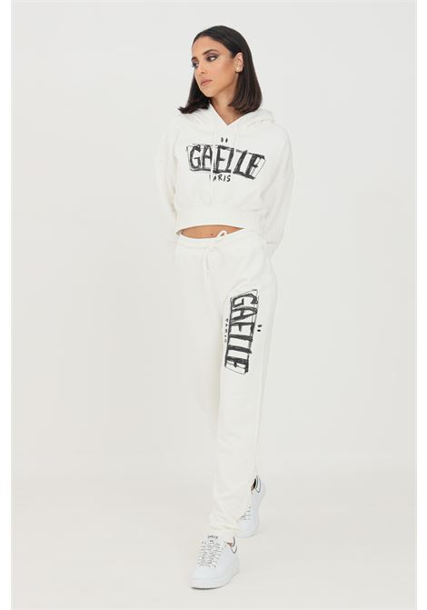 Pantaloni donna bianco gaelle modello casual con maxi logo a contrasto GAELLE   Pantaloni   GBD10137BIANCO
