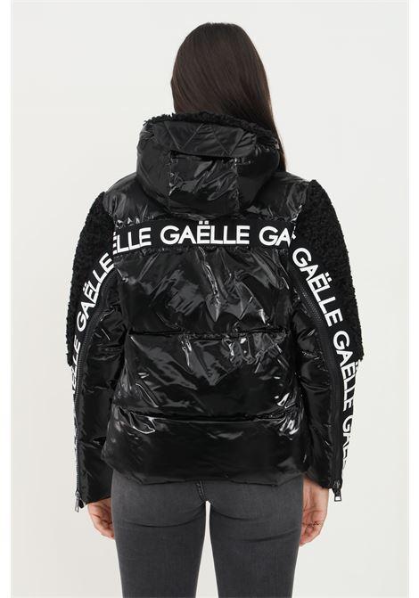 Piumino donna nero gaelle con zip frontale GAELLE   Giubbotti   GBD9730NERO