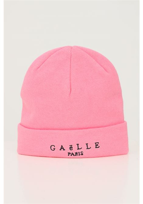 Pink women's hat by gaelle with embroidered logo in contrast GAELLE | Hat | GBDA2636ROSA