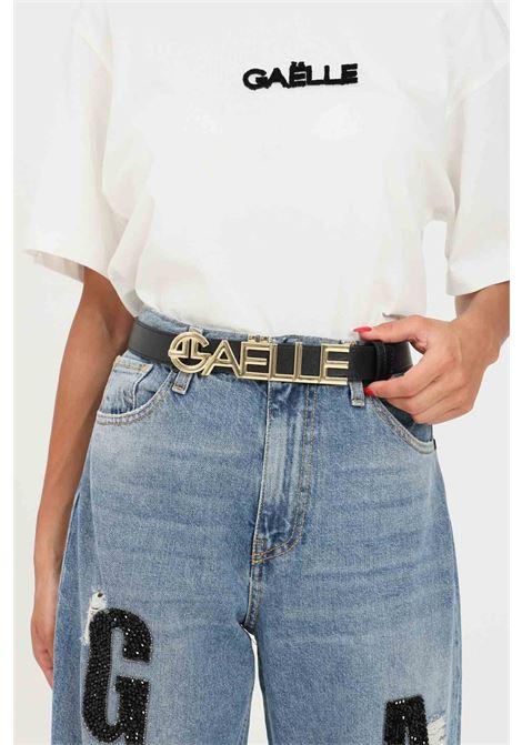 Black women's belt by gaelle with maxi gold logo GAELLE | Belt | GBDA2685NERO/ORO