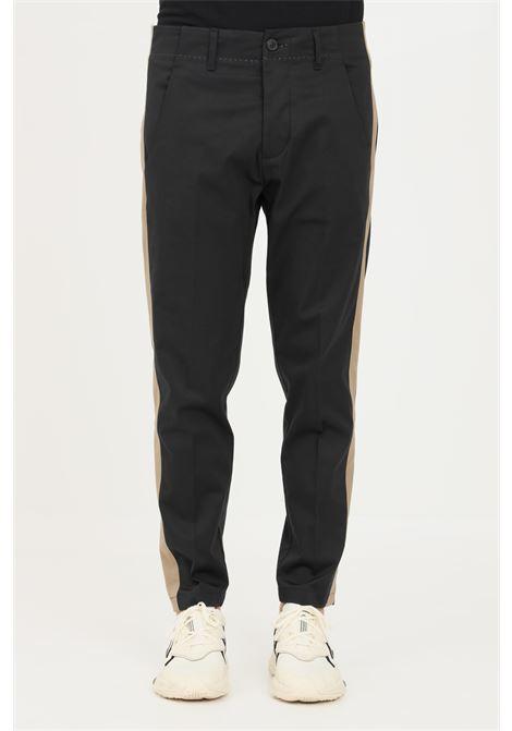 Pantaloni uomo nero gaelle modello casual con bande laterali GAELLE | Pantaloni | GBU4780NERO