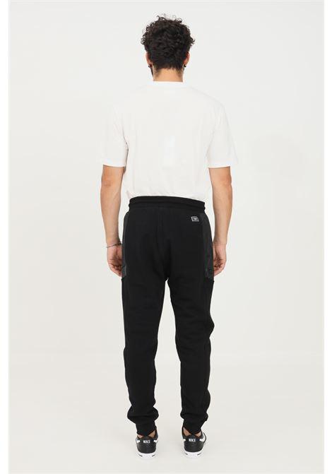 Pantaloni uomo nero gaelle modello casual con inserti laterali GAELLE | Pantaloni | GBU4928NERO