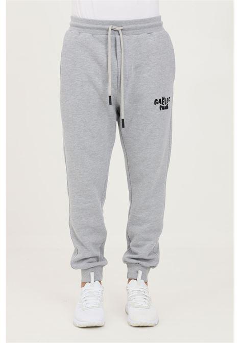 Pantaloni uomo grigio gaelle modello casual con logo a contrasto GAELLE | Pantaloni | GBU4952GRIGIO MELANGE