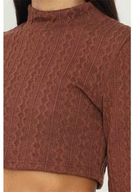 Maglioncino donna marrone glamorous taglio corto GLAMOROUS   Maglieria   AN4037BROWN