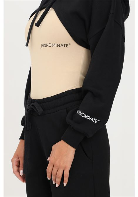 Felpa donna nero hinnominate con cappuccio taglio super corto HINNOMINATE | Felpe | HNWSFCO19NERO