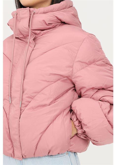 Piumino donna rosa jaqueline de young con cappuccio jaqueline de young | Giubbotti | 15234199NOSTALGIA ROSE