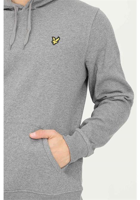 Felpa uomo grigio lyle & scott con cappuccio e applicazione logo frontale LYLE & SCOTT | Felpe | LSML1139VML1139VT28