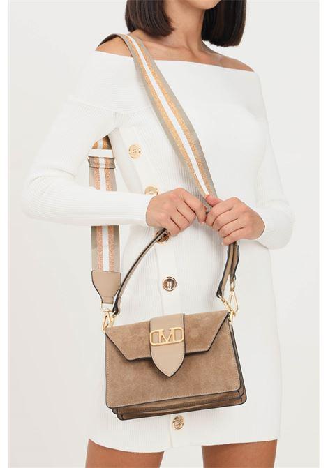 Brown women's kourtney suede bag by marc ellis with shoulder strap and embossed gold logo MARC ELLIS | Bag | KOURTNEY SUEDETAUPE