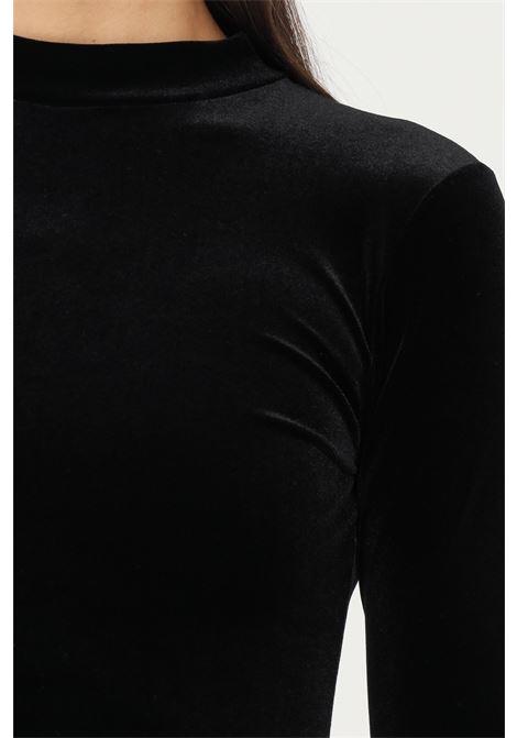 Body nero firmato matinèe in velluto, taglio aderente a collo alto MATINèE | Body | DP2005NERO