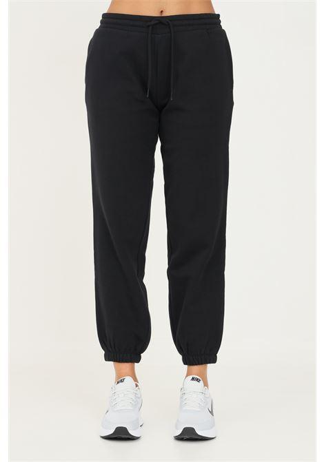 Pantaloni donna nero napapijri casual con ricamo logo a contrasto sul retro NAPAPIJRI | Pantaloni | NP0A4F8I0411041