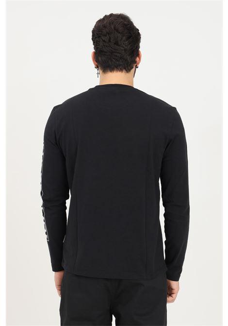 T-shirt uomo nero napapijri a manica lunga con maxi logo sulla manica NAPAPIJRI | T-shirt | NP0A4FRG04110411