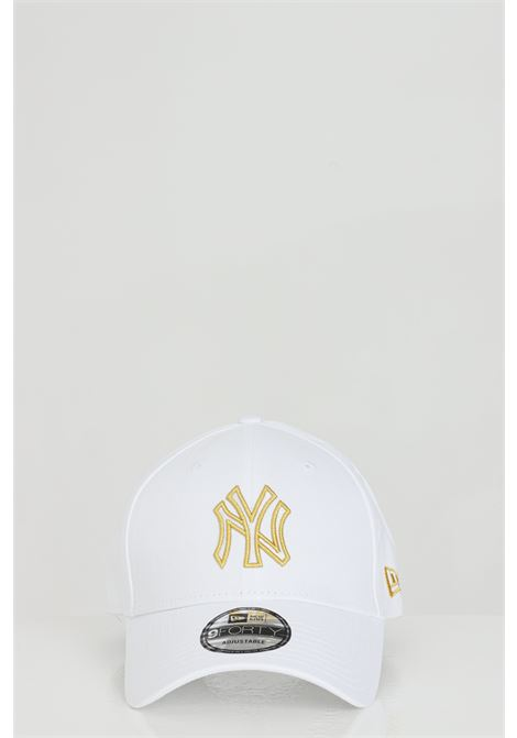 White cotton hat with front embroidery.Adjustable on the back and round visor.New Era NEW ERA | Hat | 60112673.