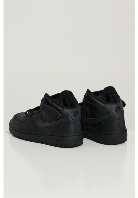 Sneakers bambino unisex nero nike con logo laterale tono su tono NIKE | Sneakers | 314196004