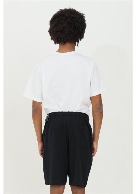 Shorts uomo nero nike sport con mini logo a contrasto NIKE | Shorts | BV2772010