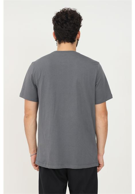 T-shirt uomo grigio nike a manica corta con logo fluo frontale NIKE | T-shirt | DB4814021